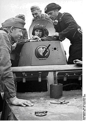 Pactul Ribbentropp-Molotov 13
