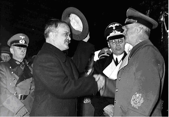 Pactul Ribbentropp-Molotov 21