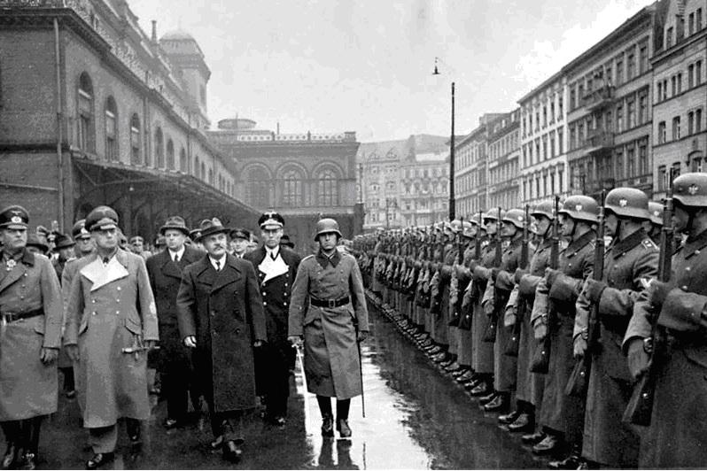 Pactul Ribbentropp-Molotov 23