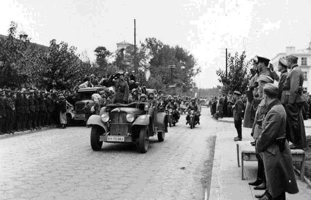 Pactul Ribbentropp-Molotov 30