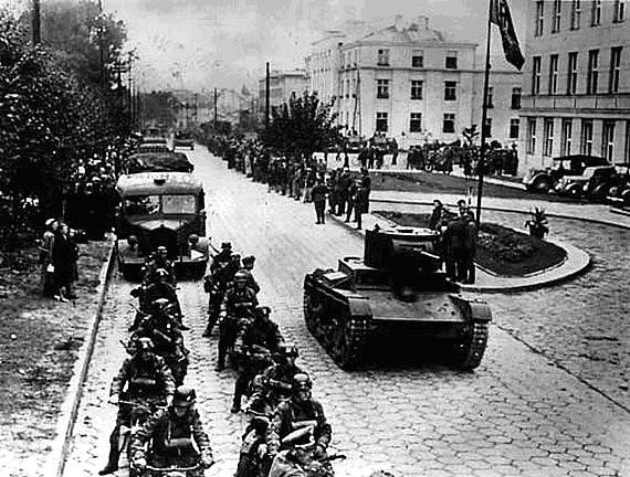 Pactul Ribbentropp-Molotov 35