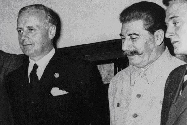 Pactul Ribbentropp-Molotov 4